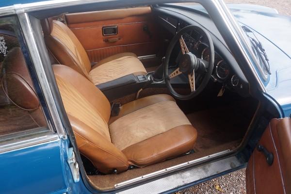 MG B GT  (3)
