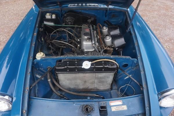 MG B GT  (5)