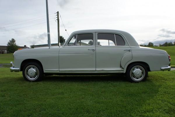 Mercedes 220  (11)