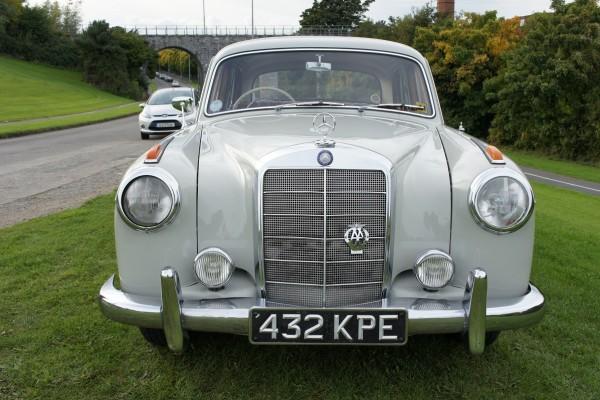 Mercedes 220  (17)