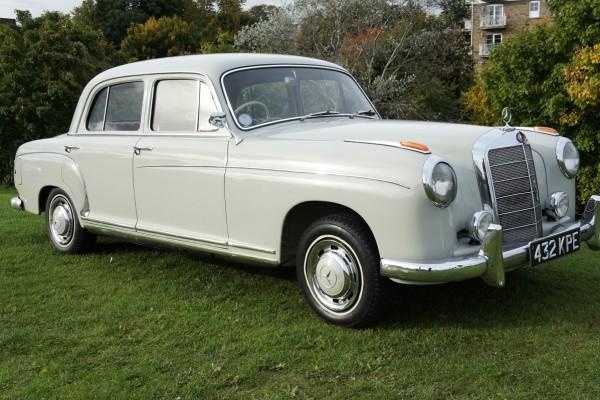 Mercedes 220  (6)