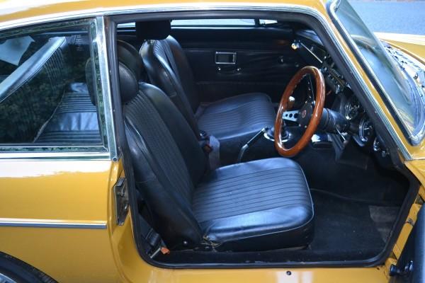 MG B GT (2)