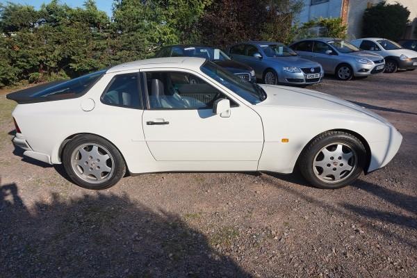 Porsche 944  (13)